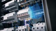 Ein durchgängiges Schutzkonzept nach Stand der Technik ergänzt den vorgeschriebenen Basisschutz um ineinandergreifende Schutzkomponenten für den Personen- und Leitungsschutz sowie den präventiven Brandschutz.