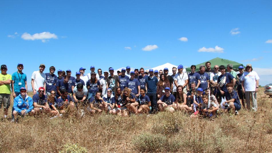 Das Team von YPIS und des Tripoli-Raketenclubs.