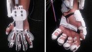 Mit dem Hand-Exoskellet kann die Greif-Fähigkeit einer gelähmten Hand wiederhergestellt werden.