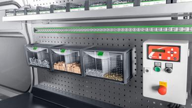 Die Tilt-Box garantiert schnellen Zugriff auf häufig benötigte Kleinteile.
