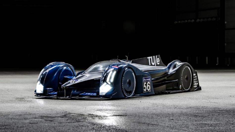 Der Vision soll 2023 am legendären 24-Stunden-Rennen von Le Mans teilnehmen. Dabei soll der Rennwagen innerhalb von zwei Minuten wieder komplett aufgeladen werden.