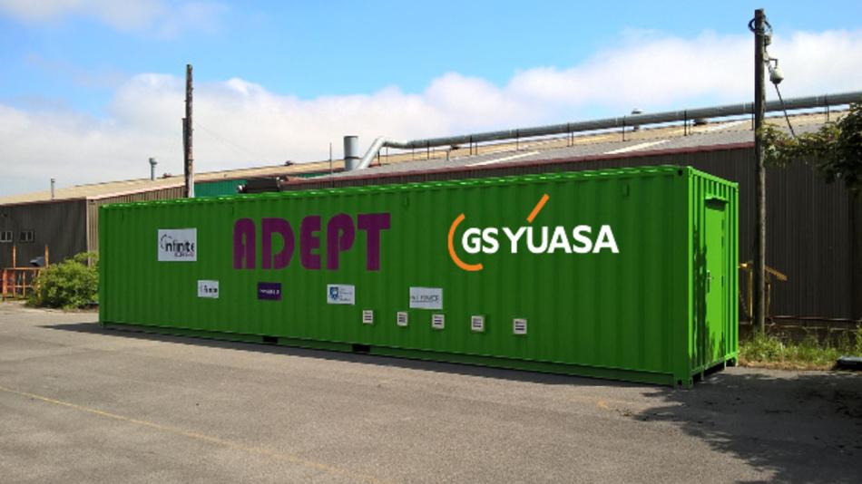 Die Energiespeicherplattform ADEPT auf Container-Basis funktioniert mit einer Kombination aus Lithium-Ionen- und Blei-Säure-Batterien von GS YUASA.