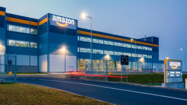 Ab sofort will auch Amazon beim Thema autonomes Fahren mitmischen und investiert in das Start-Up Aurora. Dieses konnte bereits Volkswagen und Hyundai als Partner gewinnen.