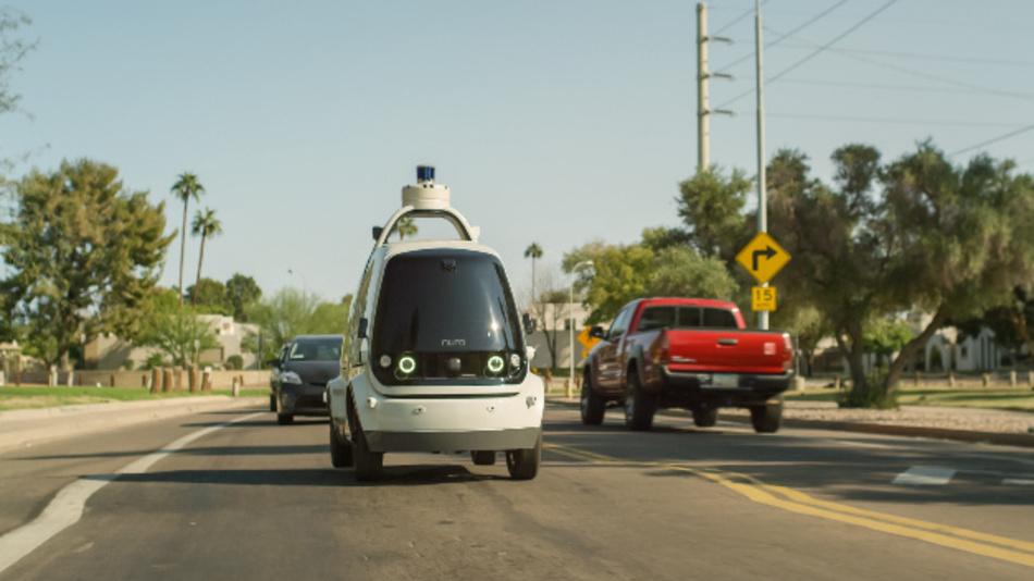 Wer Lebensmittel bestellt hat, den beliefert das autonom fahrende Lieferwagen »R1« von Nuro.ai bereits – wenn er in Scottsdale, Arizona wohnt.