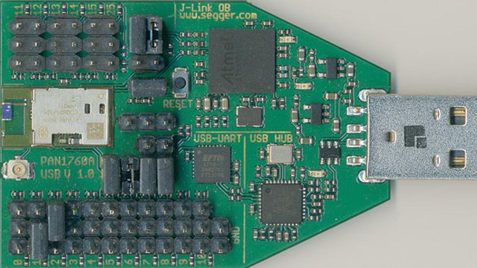 Bild 2. Der USB Evaluation Stick von Toshiba hat alles an Bord, was für die Entwicklung benötigt wird.