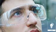 Für extrem hohe Datenraten, beispielsweise bei Augmented-Reality- Brillen,eignet sich Licht als Übertragungsmedium sehr gut.