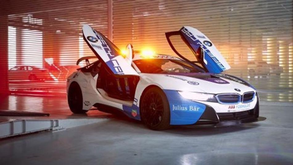 Das BMW i8 Coupé Safety Car präsentiert sich ab dem Mexico City E-Prix der Saison 2018/19 im neuen Design.
