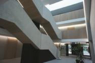 Das Atrium der Blautopf-Schule in Blaubeuren.