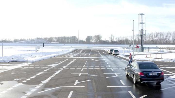 Continental und Vodafone arbeiten gemeinsam daran, den Straßenverkehr sicherer zu machen.