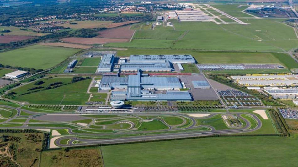 Der Porsche-Standort Leipzig wandelt sich zum Automobilwerk für Elektromobilität. Hier wird künftig der Macan als vollelektrische Variante gefertigt.
