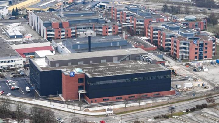 Das neue Prüfzentrum auf dem Gelände des Forschungs- und Entwicklungszentrums ist in dreijähriger Bauzeit entstanden. ZF hat insgesamt 70 Millionen Euro in das Gebäude investiert.
