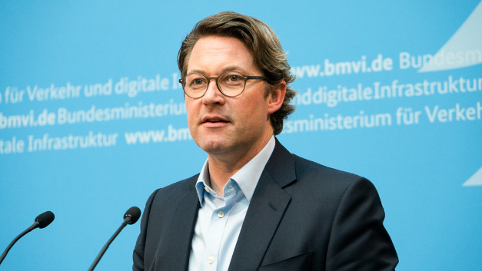 Bundesverkehrsminister Andreas Scheuer spricht bei dem Drohnen-Netzwerktreffen vom BMVI.
