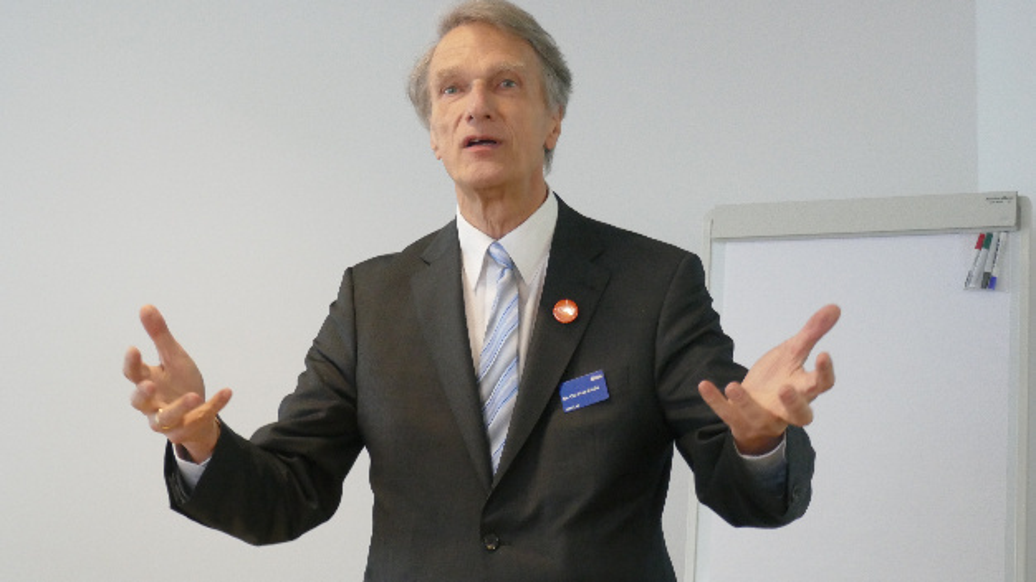 Dr. Carsten Emde, OSADL: »Die Implementierung von Kommunikations-Protokollen sollte unter einer Open-Source-Lizenz verfügbar sein, die es erlaubt, die Software in Kombination mit proprietären Programmen zu verwenden.«