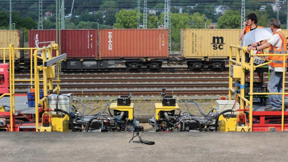 Das automatische Kuppeln von Zügen und die virtuelle Verbindung einzelner Zugwaggons oder ganzer Züge ist ein wesentlicher Schritt hin zu mehr Flexibilität und Effizienz im Schienenverkehr.