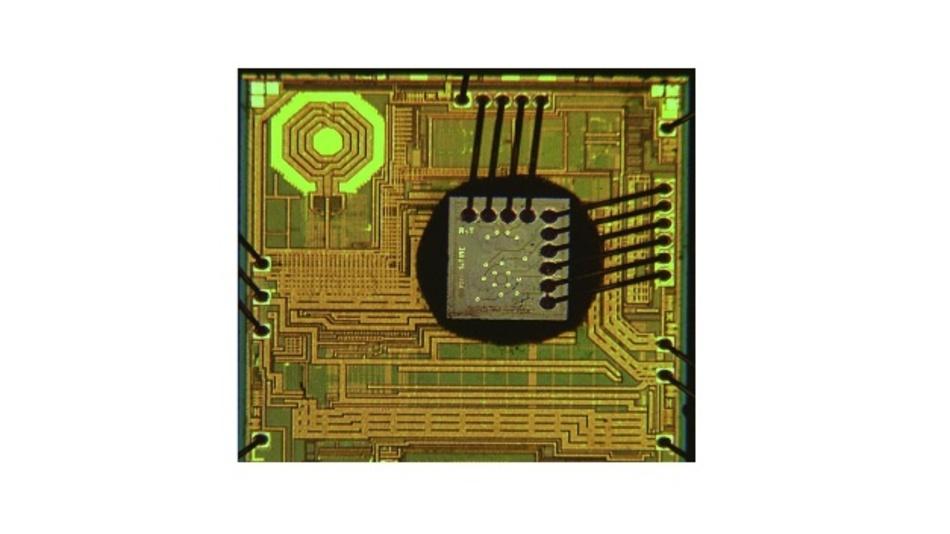 So sieht der MEMS-Timing-Chip innen aus.