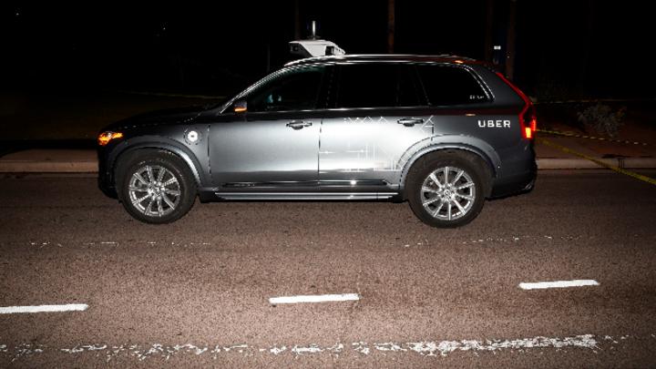 Roboter-Testwagen des Fahrdienst-Vermittlers Uber