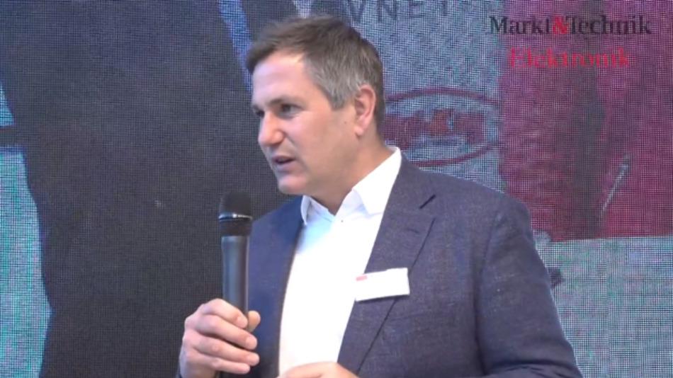 PD Dr. habil. Alexander Wiethoff ist Medieninformatiker an der LMU München und Spezialist für Mensch-Maschine-Aktion bei der UX-Gruppe.