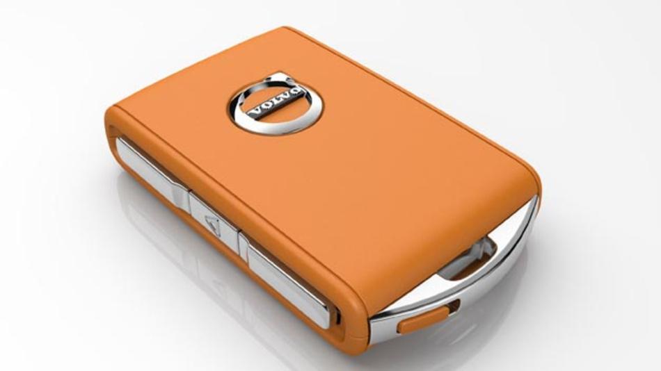 Volvo Fahrer können zukünftig mit dem Care Key eine Höchstgeschwindigkeit festlegen, wenn sie ihr Fahrzeug an Familienmitglieder, Freunde und allen voran Fahranfänger verleihen.