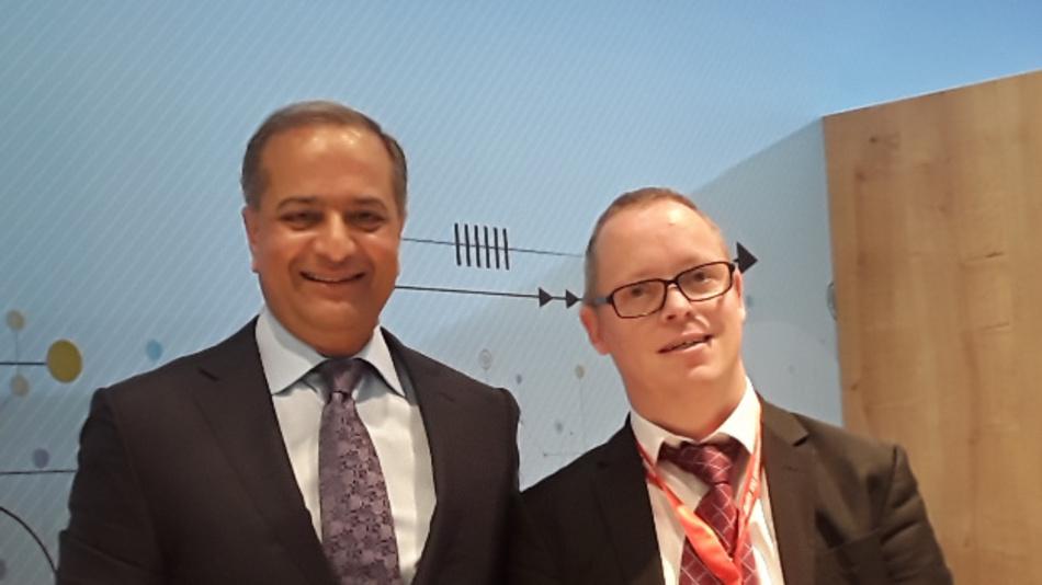 DESIGN&ELEKTRONIK-Redakteur Ralf Higgelke traf Rajesh Vashist (links), den CEO von SiTime, auf der electronica 2018