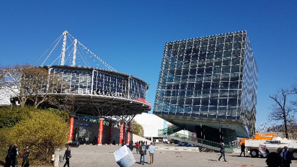 Die Südseite des Convention Centers während der Hannover Messe 2019