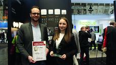 Klaus Wördemann und Sabrina Schleicher freuen sich stellvertretend für das gesamte Team über die Auszeichnung.
