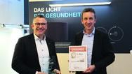 roße Freude herrschte beim Team um Marketingleiter Wolfgang Auber (re.), als wir den Preis für den 1. Platz in der Kategorie Licht überreichten.