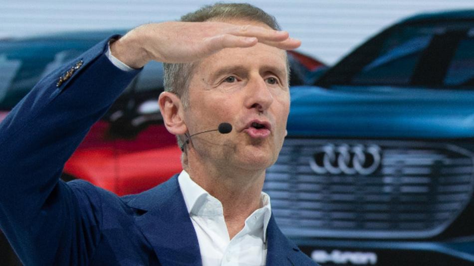 Herbert Diess, Vorstandsvorsitzender der Volkswagen AG, spricht bei der Jahrespressekonferenz der Volkswagen AG.