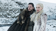 Kit Harington als Jon Schnee und Emilia Clarke Daenerys Targaryen in einer Folge der achten Staffel der Serie »Games of Thrones«