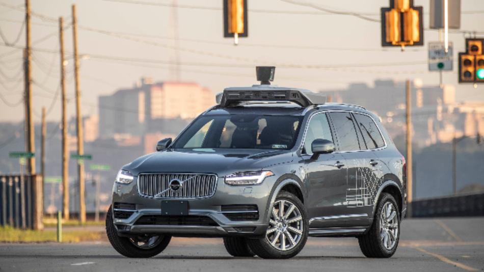 Uber bekommt 1 Mrd. Dollar von Softbank und Toyota, um die Entwicklung autonomer Fahrzeuge voran zu treiben.