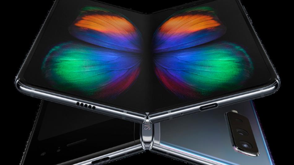 Eine vollkommen neue Kategorie mobiler Geräte wollte Samsung mit dem Galaxy Fold auf den Markt bringen. Wegen technischer Probleme mit dem Bildschirm muss Samsung den vorgesehenen Starttermin verschieben.