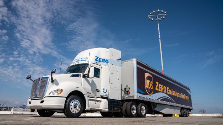 Toyota setzt bei der Elektrifizierung von LKWs auf Brennstoffzellen: Die Reichweite der Brennstoffzellen-LKWs hat das Unternehmen jetzt in Zusammenarbeit mit Kenworth verdoppelt.