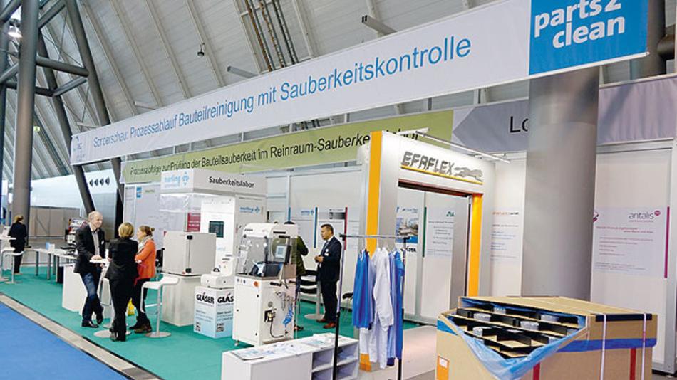 Am CEC-Gemeinschaftsstand auf der Messe parts2clean 2018 in Stuttgart wurde an einer Demoanlage gezeigt, wie ein Sauberraumsystem implementiert werden kann – über die gesamte Prozesskette einschließlich der Qualitätssicherung.