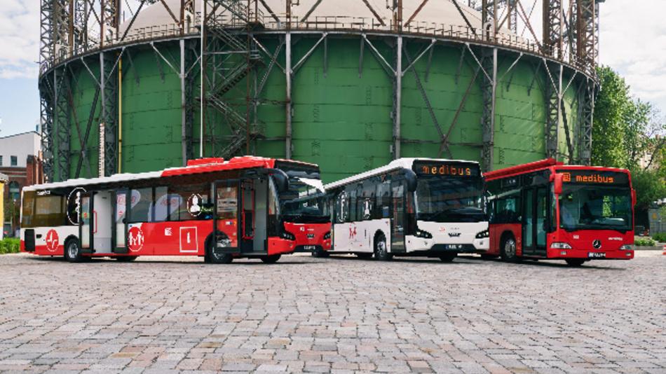 Medibusse der Deutschen Bahn (DB).