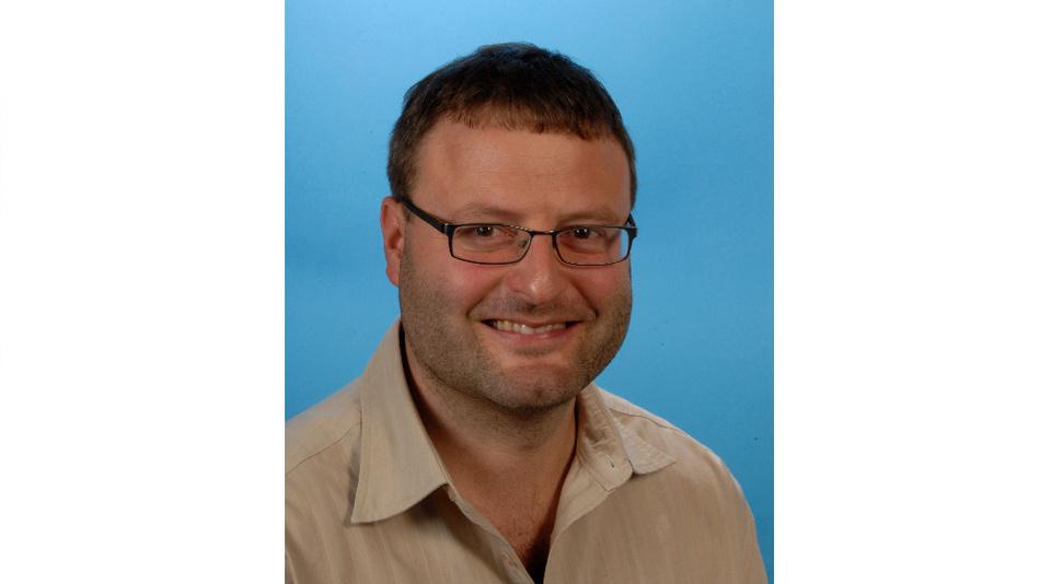 Dieter Kiermaier ist Teamlead Technology Field Application Engineer für den Bereich Embedded & Connectivity bei Arrow Central Europe. Er beschäftigt sich seit den frühen 90er-Jahren mit Linux, zuerst auf dem PC und seit mehr als zwölf Jahren beruflich im Embedded-Bereich, vornehmlich auf ARM-Plattformen.