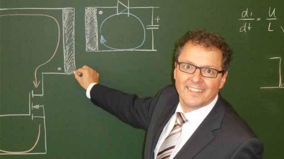 Markus Rehm lehrt seit 2008 als Dozent an der Hochschule Furtwangen University Industrie- und Leistungselektronik und wurde 2019 zum Honorarprofessor berufen.