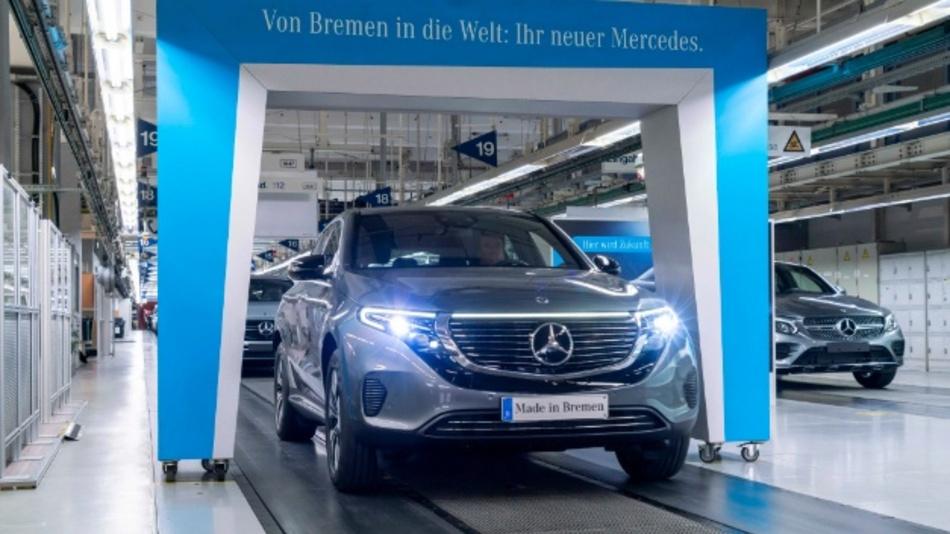 Ab sofort kann der Mercedes-Benz EQC bestellt werden. Das Elektrofahrzeug läuft in Bremen vom Band.
