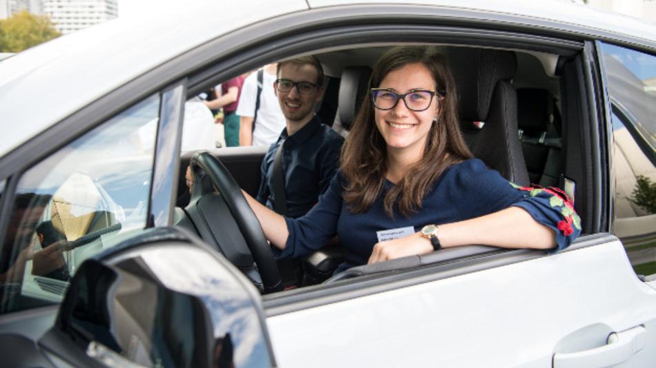 Glückliche Teilnehmer der Drive-E-Akademie.