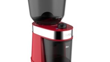 Die neue Kaffeemühle von Graef ist nicht nur in Schwarz und Weiß, sondern auch in Rot erhältlich.