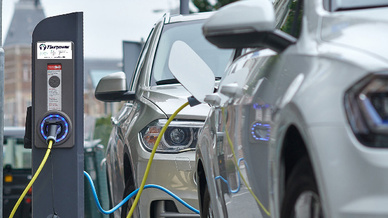 Eine der 900 Ladestation des Flexpower-Netzes in Amsterdam. Flexpower passt die Ladegeschwindigkeit auf den Stromverbrauch und die Erzeugung erneuerbarer Energien an.