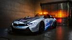 BMW zeigt i8 Roadster Safety Car