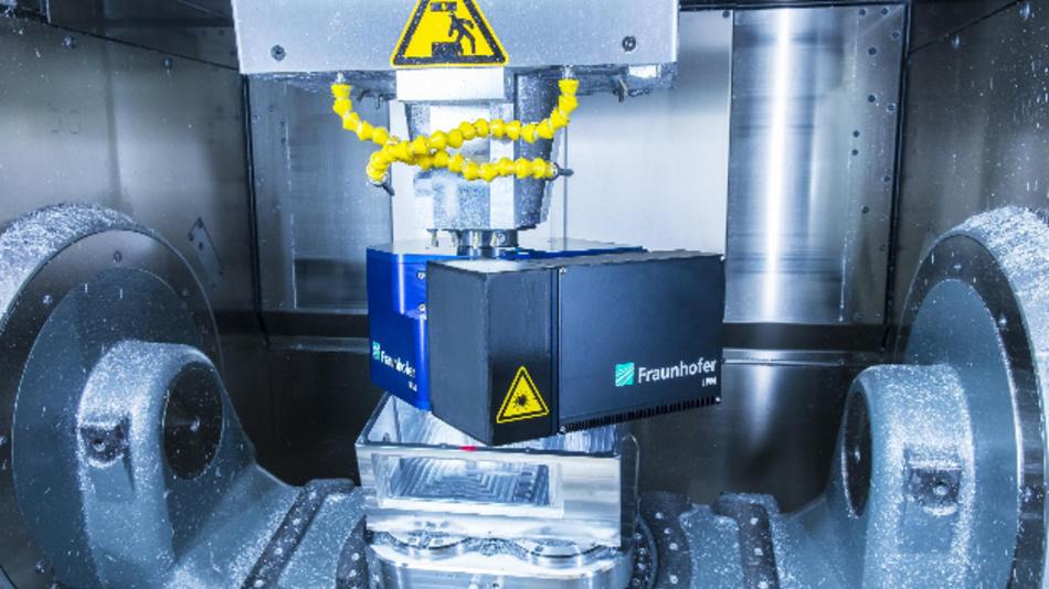 Bild 1. Interferometrischer Messkopf in der Aufnahme für die Bearbeitungswerkzeuge.