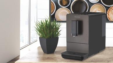 """Der Kaffeevollautomat """"KVA 4830"""" von Grundig ist mit einer unverbindlichen Preisempfehlung von 499,00 Euro und einer Garantie von drei Jahren im Handel erhältlich."""