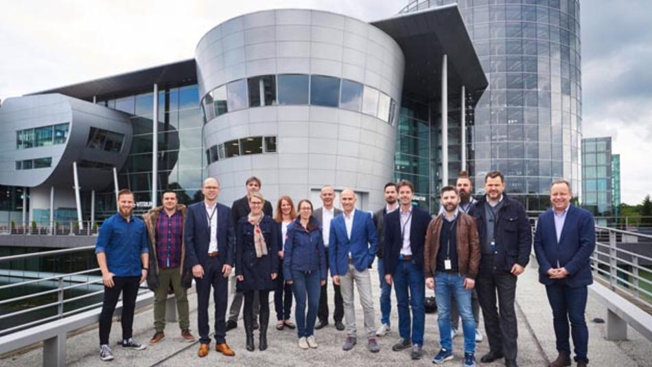 Jetzt geht es los! Die sechs neuen Start-ups freuen sich auf die Zeit im Future Mobility Incubator von Volkswagen in Dresden.