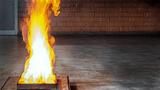 Brände müssen verhindert werden: Schadenverhütungs-Erfahrungen aus tausenden Labor- sowie Vor-Ort-Prüfungen komprimiert der VdS in den Richtlinien VdS 2095, »Automatische Brandmeldeanlagen, Planung und Einbau.«