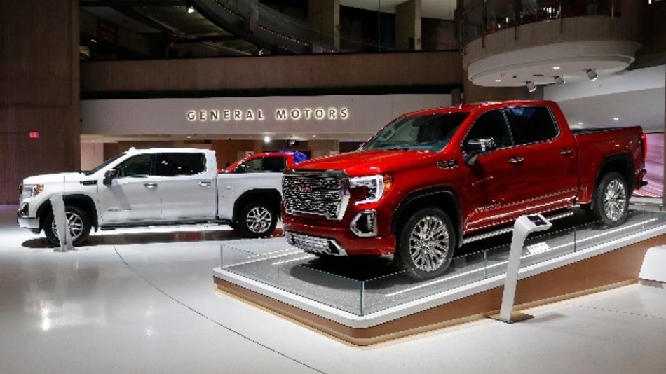 General Motors und Fiat Chrysler wollen ihre Flottenbilanz schönen und kaufen Emmissionsrechte von Tesla.