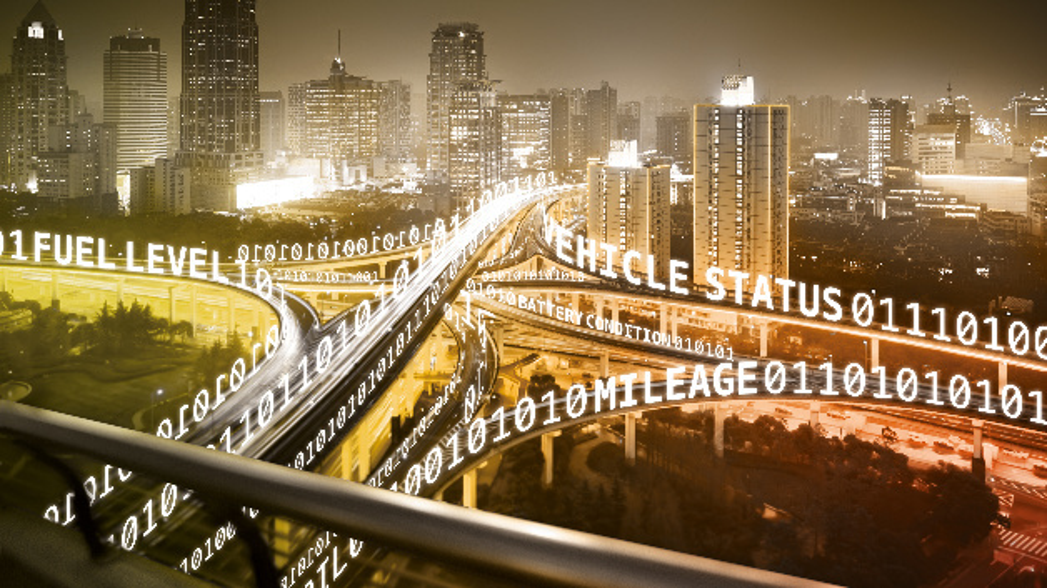 Autobahnkreuz mit Binärcodes und Begriffen hinsichtlich der Fahrzeugdaten.