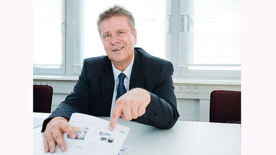 Im Gespräch mit Hannes Niederhauser äußerte dieser: »Mit IT-Dienstleistungen kann man keinen Blumentopf gewinnen.«