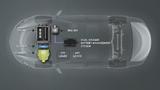 Das Dual Voltage Batteriemanagementsystem kombiniert u.a. 48- und 12-V in einem Produkt und ist über eine 48-V-Leitung mit dem riemengetriebenen Startergenerator in Mild-Hybriden verbunden.