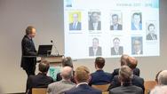 Geschäftsführer Dr. Matthias Schier stellt den neuen Vorstand vor.