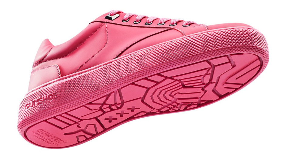 Die Sohle des pinkfarbenen Sneakers besteht aus wiederverwerteten Kaugummis.